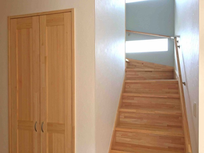 10.Store under the stairs