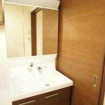 1F 洗面室