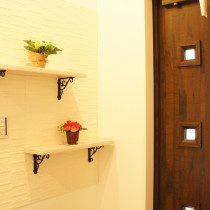 玄関 飾り棚